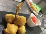 Buñuelos de Bacalao con Tomate Concassé